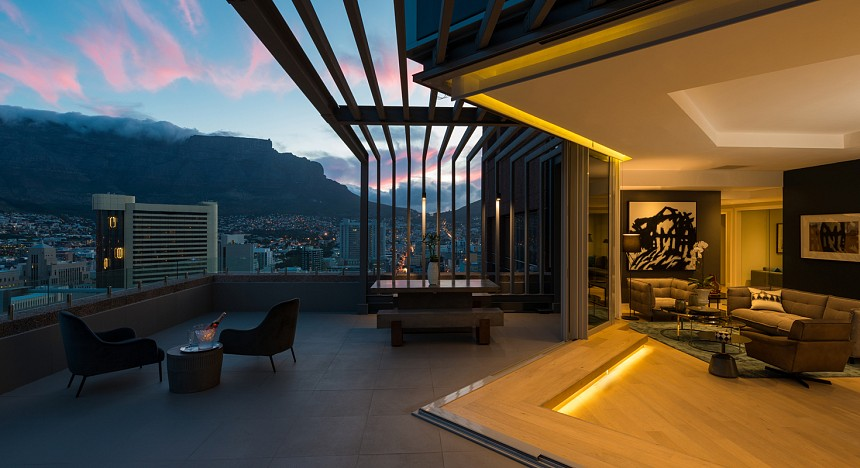 Radisson Blu Hotel & Residence Cape Town, Luxury Hotels, Pool, Luxury Travel, Escapes, Restaurants, Hotels in Cape Town