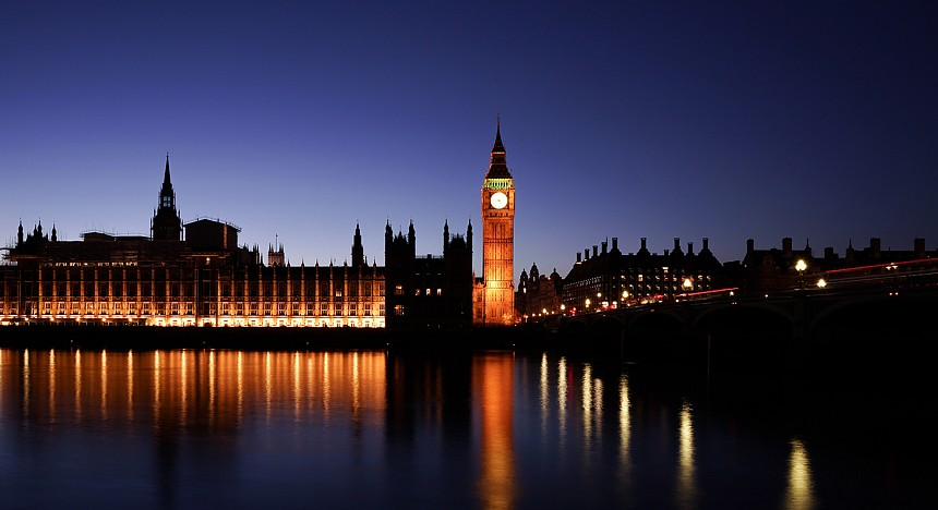 London, Luxury travel, first class train to London, Travelling, UK, Luxurious, View, Hotels, Shopping, City tour