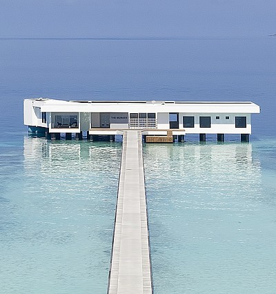 Seaside chic at Conrad Maldives with new bespoke robes