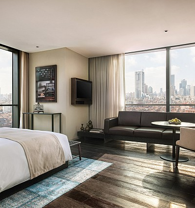 Showdown in Shanghai: new hotels in the Pearl of the Orient