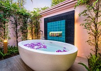 Now everyone gets a pool at Banyan Tree Phuket
