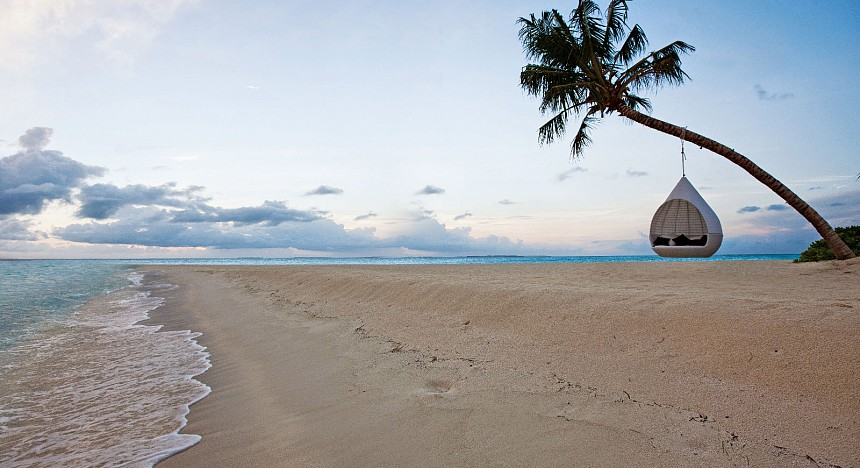 Idyllic beaches and palm-lined beaches will enchant you at Hideaway Beach Resort & Spa