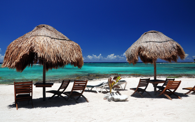A beautiful beach in the Mayan Riviera, located between Playa del Carmen and Tulum is Paa Mul beach