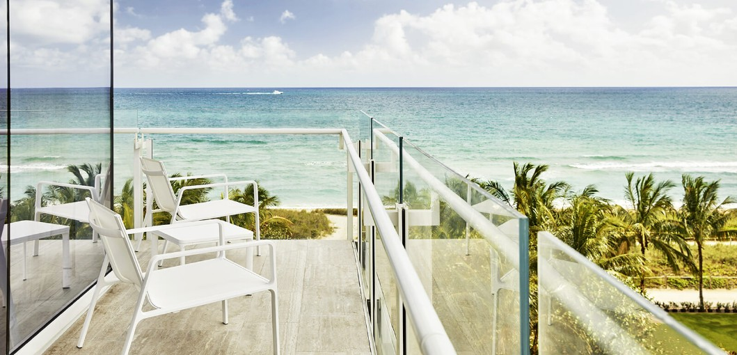 Four Seasons Hotel at The Surf Club, Surfside, Miami, Florida, USA