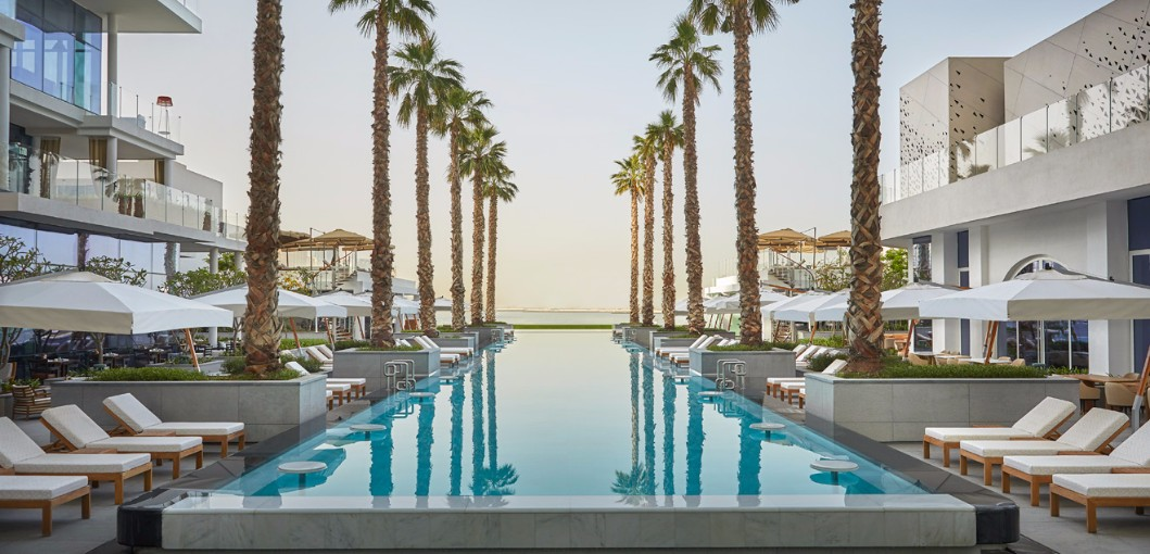 Five hotels resorts takes over viceroy palm jumeirah for Luxury hotels the palm dubai